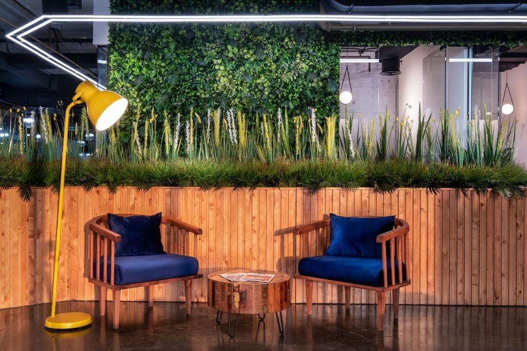 Living Walls And Improving Office Air Quality